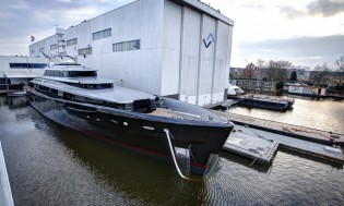 View large version of image: Feadship super yacht KISS launched
