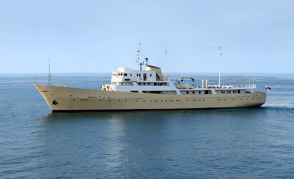 Newly restored 65m classic motor yacht la sultana for Vintage motor yachts for sale