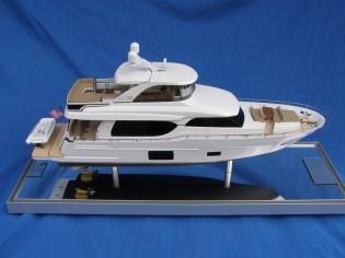 View large version of image: new Ocean Alexander 70' scale model