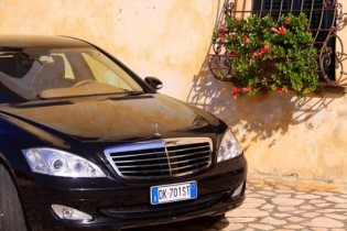 View large version of image: Exclusive Limousine chauffeur car hire in Italy